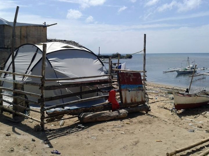 Temporary shelter in Bantayan