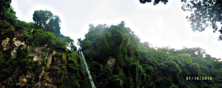 Majestic view of the Katibawasan falls